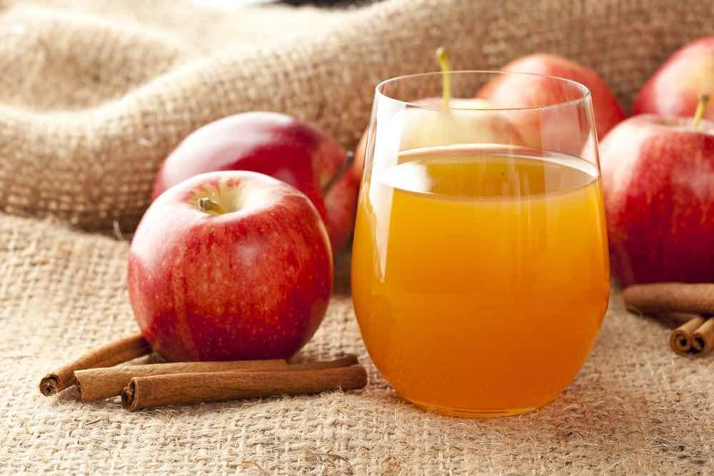 Cinnamon in Apple Juice