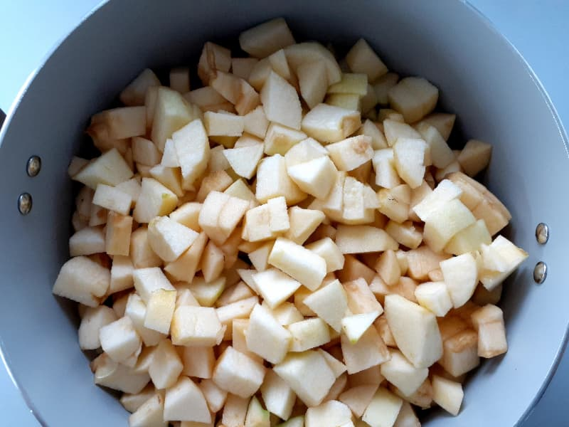 Apples in pot.