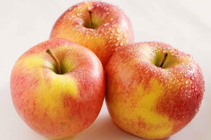 Pinova Apples
