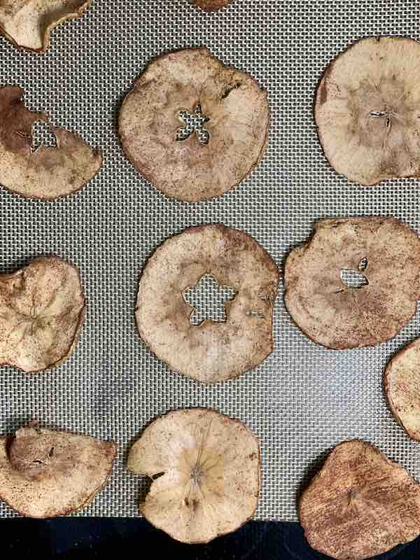 apple chips after one hour of baking