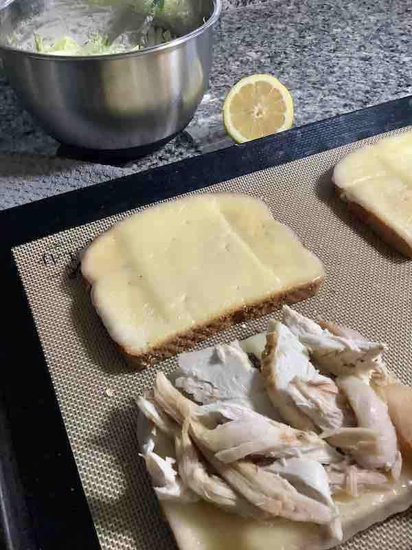 Chicken On Melted Havartie Cheese
