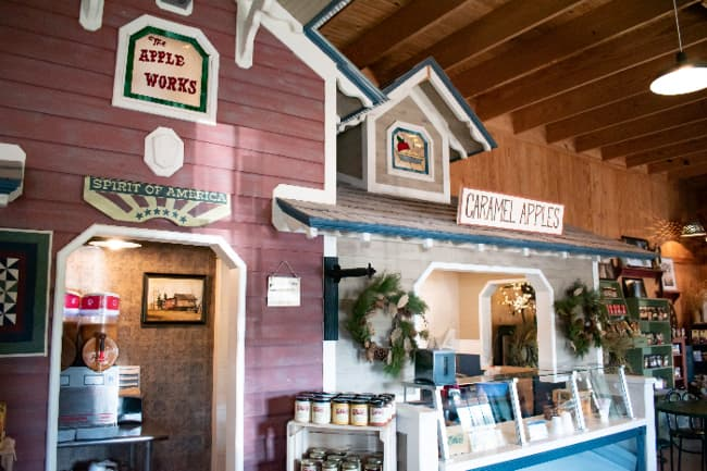View of the quaint gift shop at The Apple Works, one of the best apple orchards in Indiana.