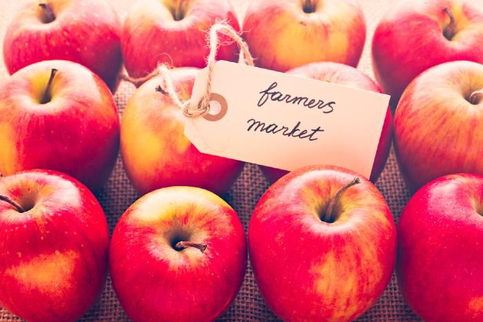 apples at farm market